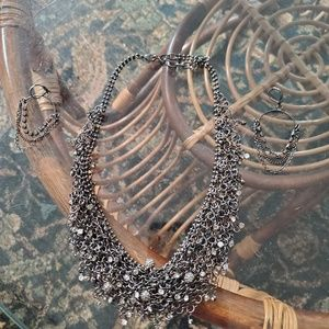 Necklace w/ matching earrings